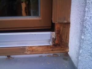 Fensterrahmen-Schaden-vor-der-Reparatur