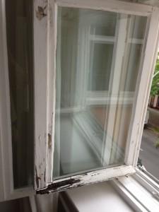 Fensterfluegel-den-man-nicht-mehr-reparieren-kann